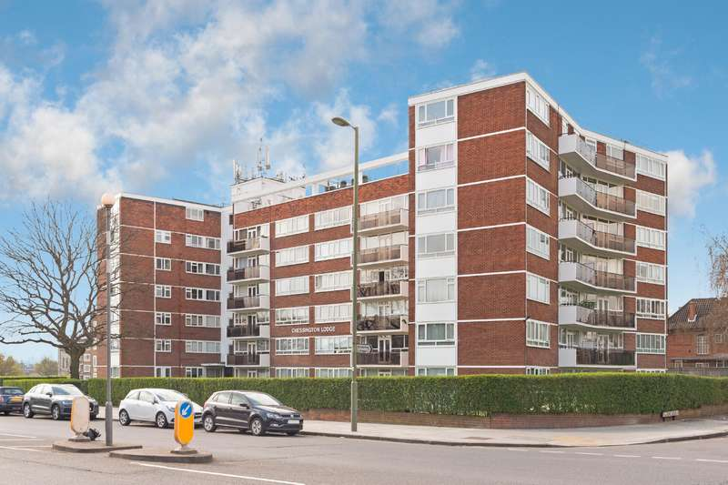 2 Bedrooms Flat for sale in Chessington Lodge, Regents Park Road