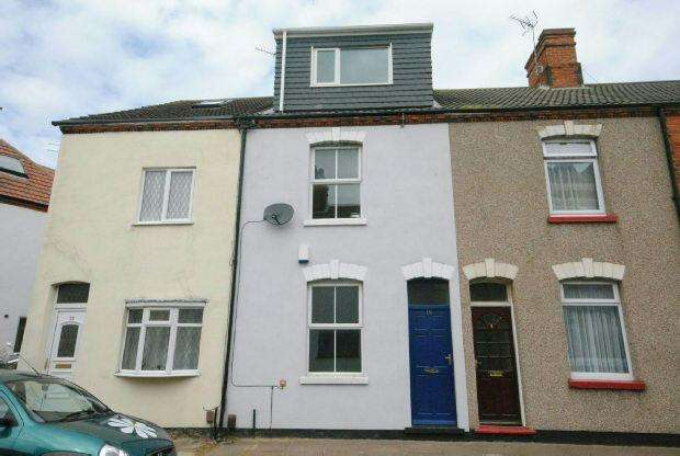 4 Bedrooms Terraced House for sale in Haigh Street, CLEETHORPES