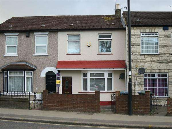 3 Bedrooms Detached House for sale in Hertford Road, Enfield