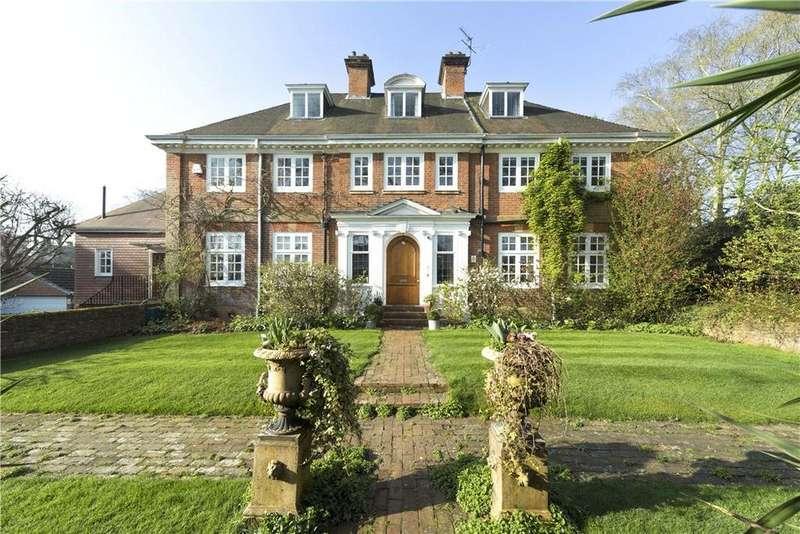 6 Bedrooms Detached House for sale in Broom Way, Weybridge, Surrey, KT13