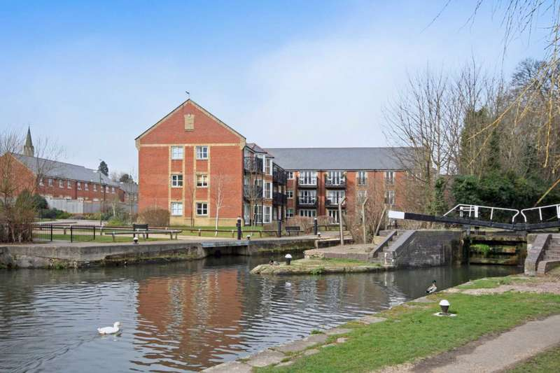 2 Bedrooms Apartment Flat for sale in Glass Mill House, Berkhamsted