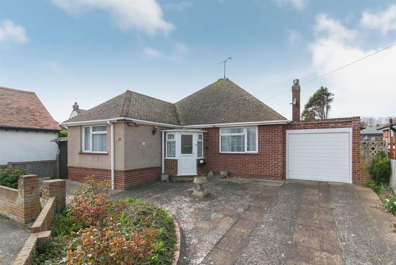 3 Bedrooms Property for sale in Carlton Rise, Westgate-On-Sea