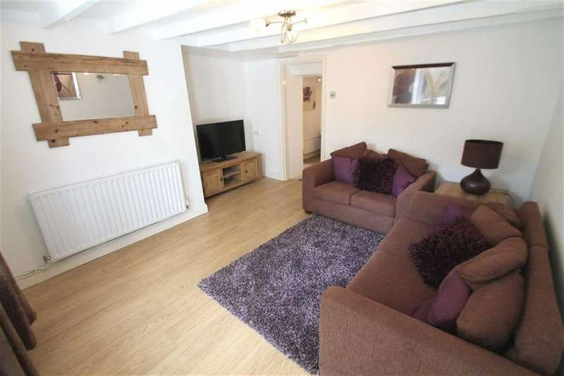 3 Bedrooms Link Detached House for sale in Mill Lane, Cefn Mawr, Wrexham