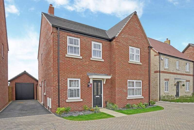 4 Bedrooms Detached House for sale in Jubilee Close, Sandy