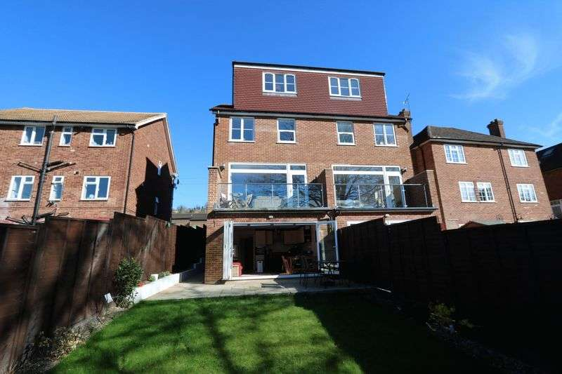 4 Bedrooms Semi Detached House for sale in Immaculate With 7 Years NHBC Remaining