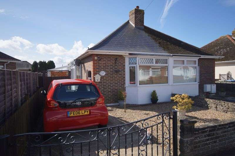 1 Bedroom Semi Detached Bungalow for sale in Merton Crescent, Portchester, PO16