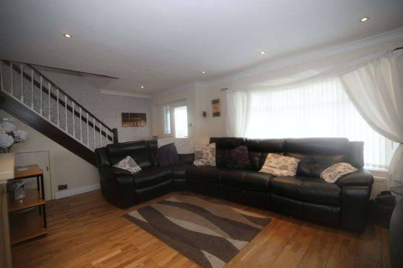 3 Bedrooms Property for sale in Galsworthy Road, South Shields