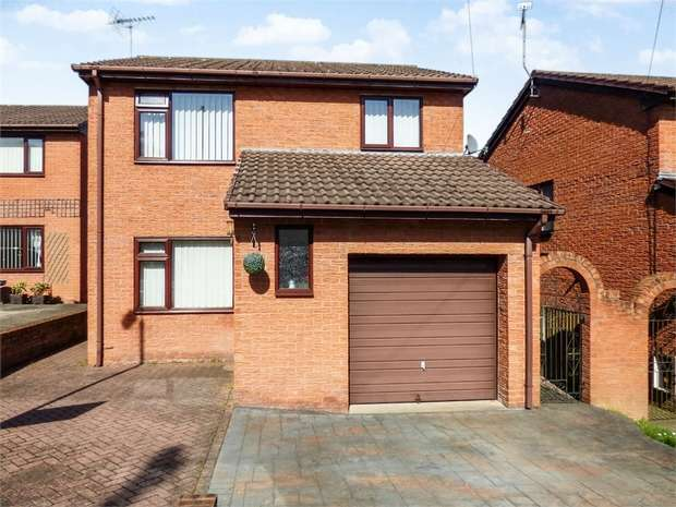3 Bedrooms Detached House for sale in St Albans Heights, Tanyfron, Wrexham