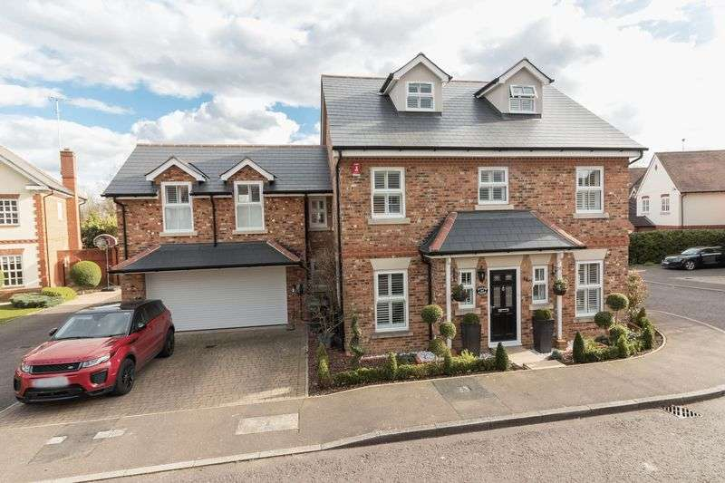 5 Bedrooms Detached House for sale in Fallow Fields, Loughton
