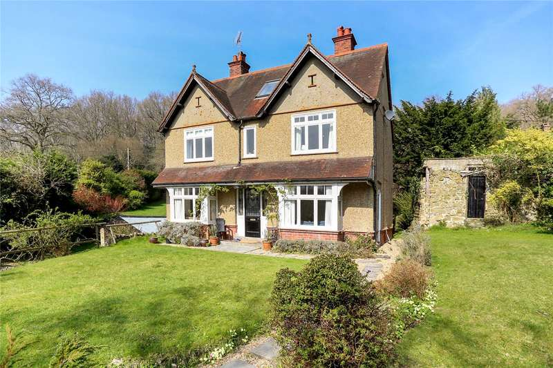 4 Bedrooms Detached House for sale in Hammer Vale, Haslemere, Surrey, GU27