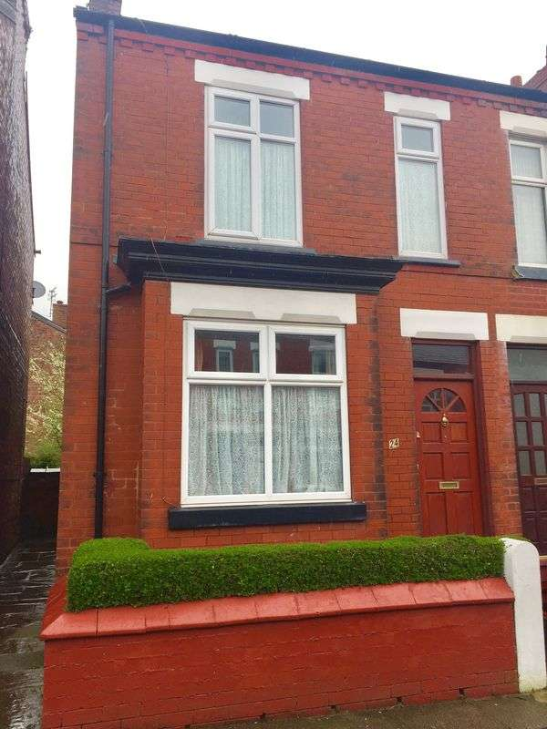 3 Bedrooms Terraced House for sale in Toronto Road, Stockport