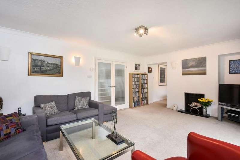 6 Bedrooms Detached House for sale in Woodlands Road, Bickley, BR1