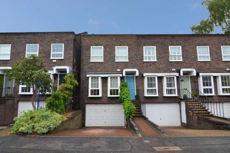 4 Bedrooms End Of Terrace House for sale in Shaftesbury Way, Strawberry Hill, TW2