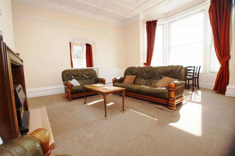 2 Bedrooms Flat for sale in Henley Manor, 1 Raincliffe Avenue