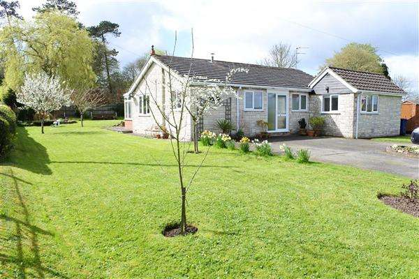 2 Bedrooms Bungalow for sale in Green Haven, Milton on Stour, Gillingham