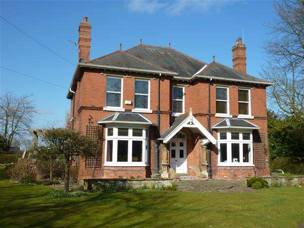 4 Bedrooms Detached House for sale in HOLMFIELD, STATION ROAD, NORTH THORESBY, GRIMSBY