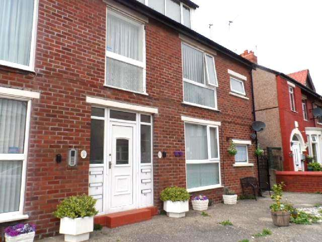 2 Bedrooms Ground Flat for sale in Beaufort Avenue, Blackpool, FY2 9HQ