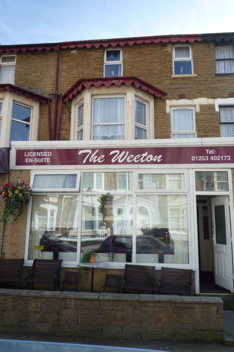 10 Bedrooms Hotel Commercial for sale in Woodfield Road, Blackpool, FY1 6AX