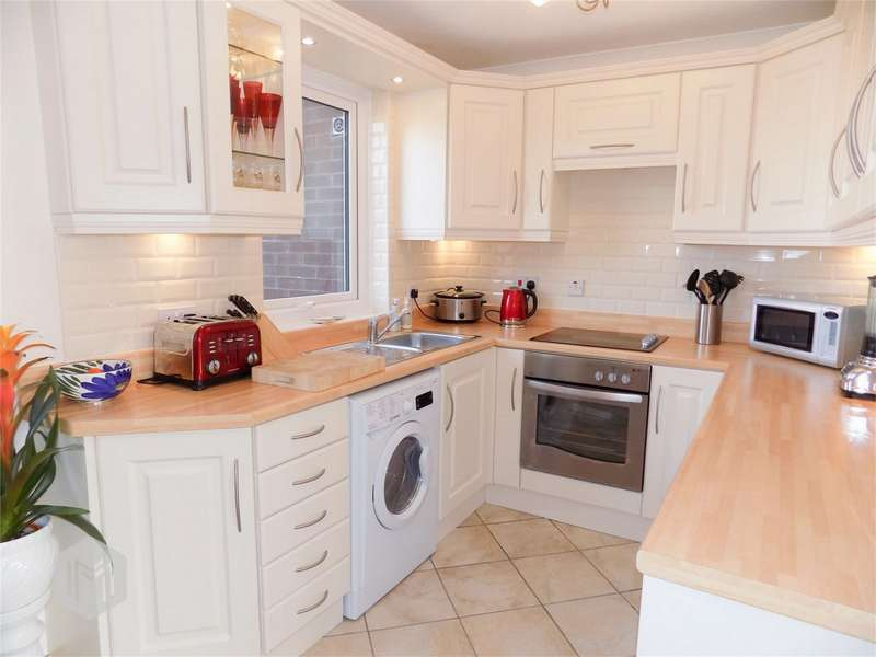 1 Bedroom Flat for sale in Victoria Court, Stocks Park Drive, Horwich, Bolton, Lancashire