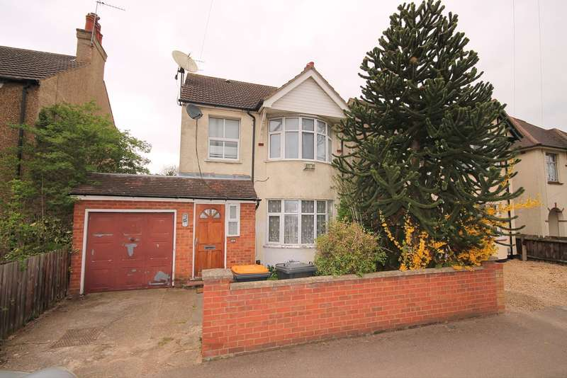 3 Bedrooms Detached House for sale in Harrowden Road, Bedford, MK42