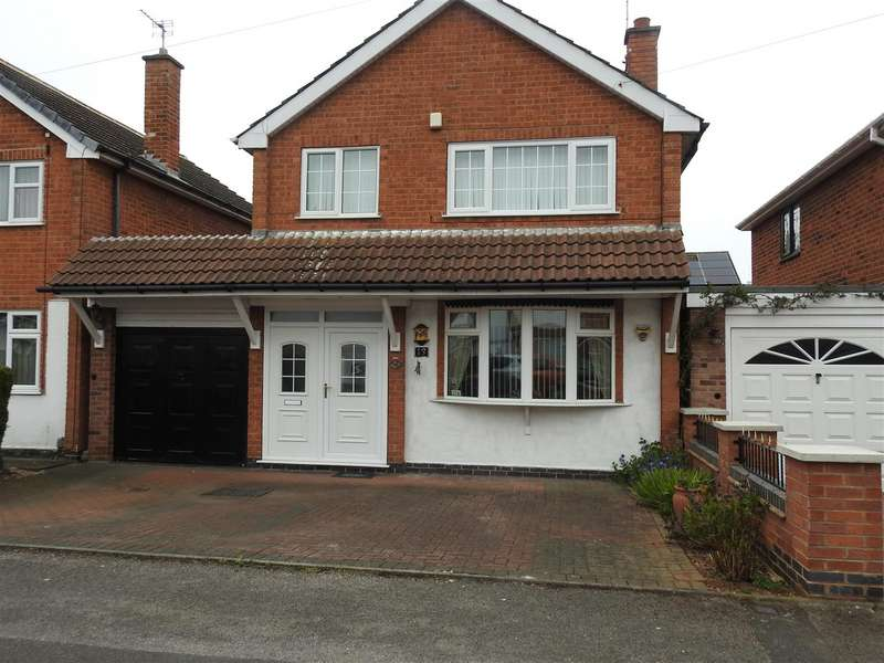 3 Bedrooms Detached House for sale in Ascot Drive, Hucknall, Nottingham