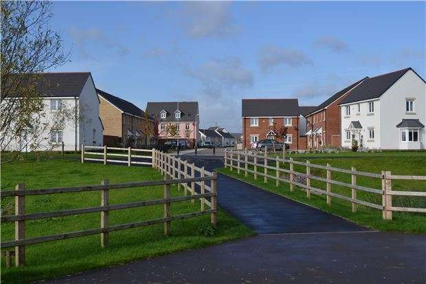 3 Bedrooms Property for sale in Glan Llyn, Llanwern, Newport,NP19 4QZ