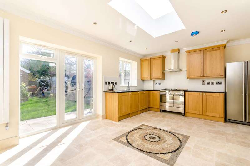 5 Bedrooms House for sale in Stanhope Grove, Beckenham, BR3