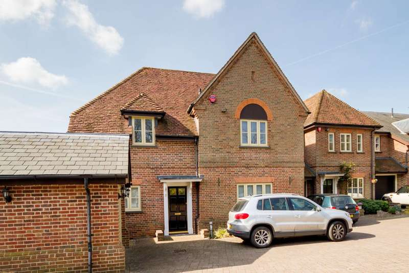 4 Bedrooms End Of Terrace House for sale in The Ridgeway, The Ridgeway, EN2