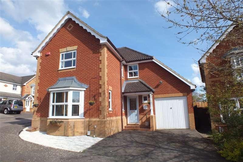 4 Bedrooms Detached House for sale in Decouttere Close, Church Crookham, Fleet, GU52