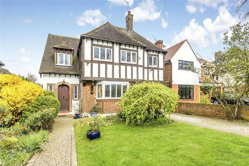 4 Bedrooms Detached House for sale in Manor Way, London, SE3