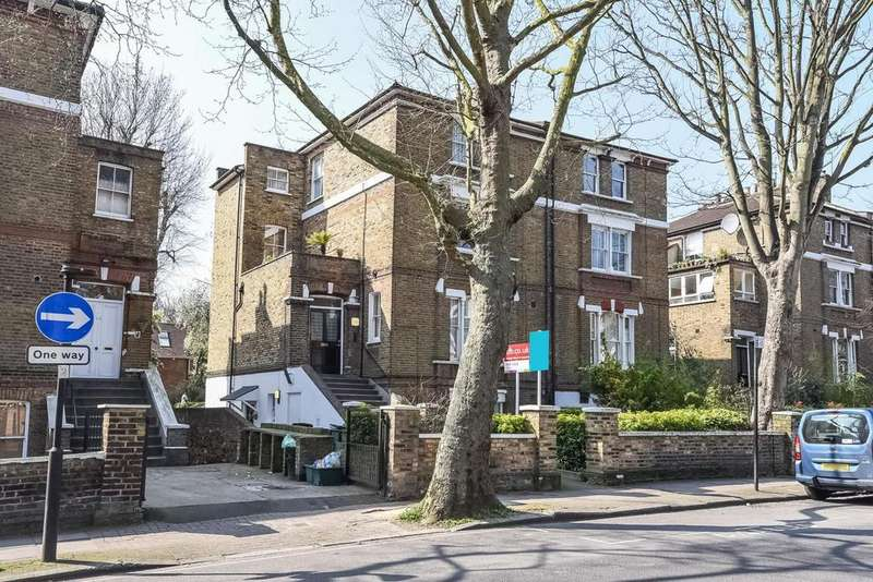 2 Bedrooms Flat for sale in Hillmarton Road, Holloway, N7