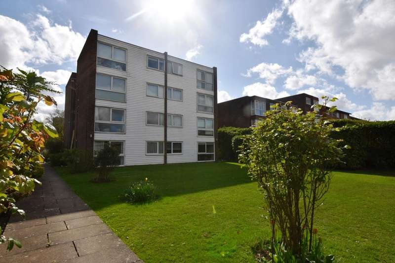1 Bedroom Flat for sale in Court Downs Road Beckenham BR3