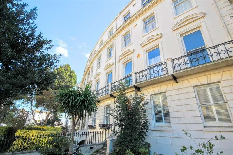 2 Bedrooms Apartment Flat for sale in Montpelier Crescent, BRIGHTON, BN1
