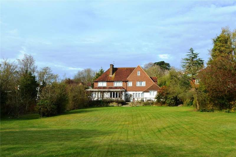 6 Bedrooms Detached House for sale in Chantry View Road, Guildford