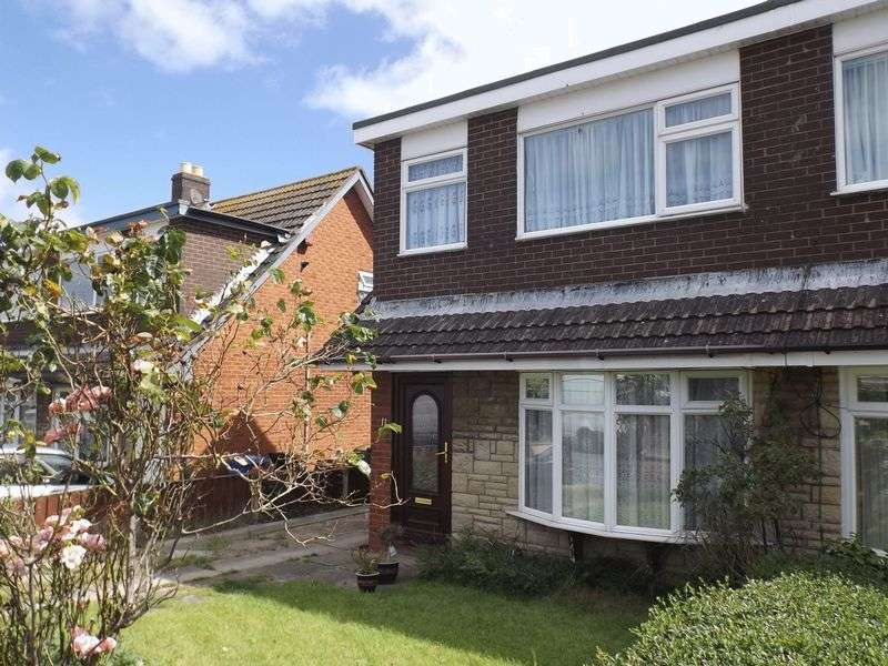 3 Bedrooms Semi Detached House for sale in 11 Llewelyn Court, Rhyl