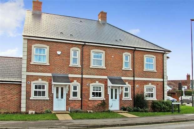 2 Bedrooms Terraced House for sale in Farnham, Surrey