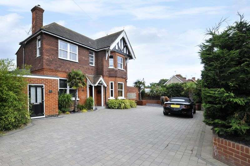 4 Bedrooms Detached House for sale in Dominion Road, Worthing