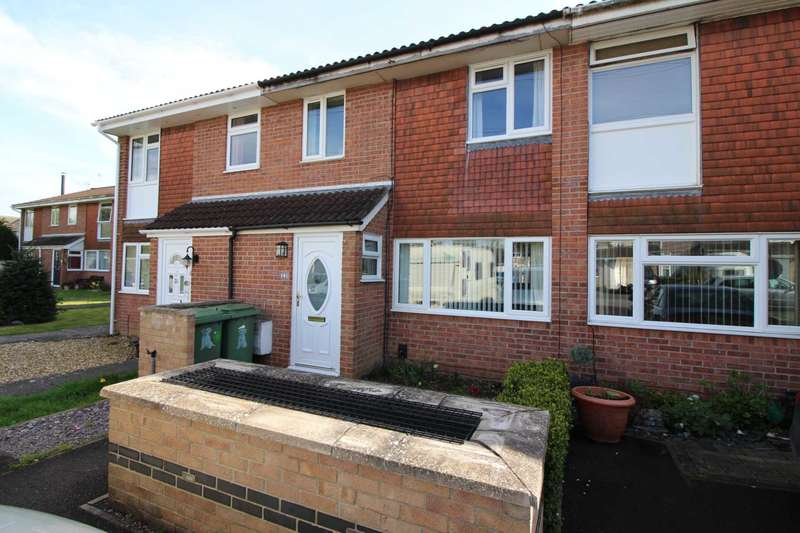3 Bedrooms Terraced House for sale in Holmbury Close, Frome