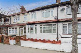 3 Bedrooms Terraced House for sale in Curzon Road, Thornton Heath