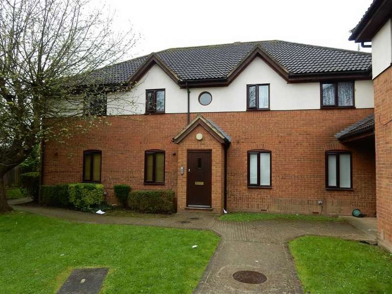 2 Bedrooms Property for sale in St. Crispins Court, Southall, Middlesex