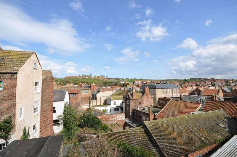 2 Bedrooms Cottage House for sale in Rose and Crown Yard, Whitby