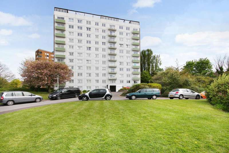 2 Bedrooms Flat for sale in Lakeside, Eaton Drive, Kingston upon Thames KT2