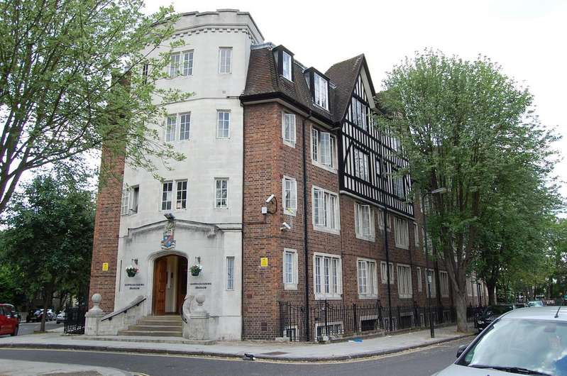 1 Bedroom Flat for sale in Hillsborough Court, Mortimer Crescent, NW6