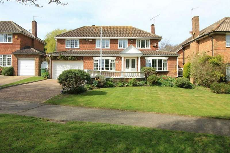 4 Bedrooms Detached House for sale in Gillsmans Park, ST LEONARDS-ON-SEA, East Sussex