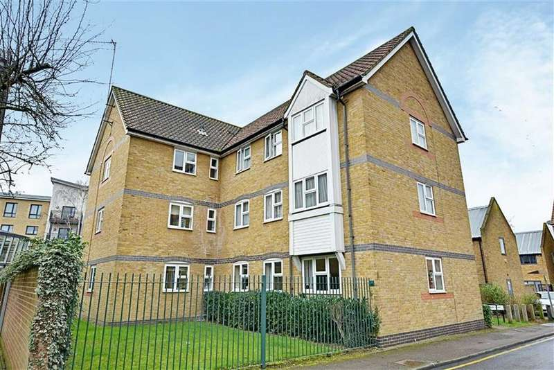 2 Bedrooms Retirement Property for sale in Priory Court, Priory Street, Hertford, SG14