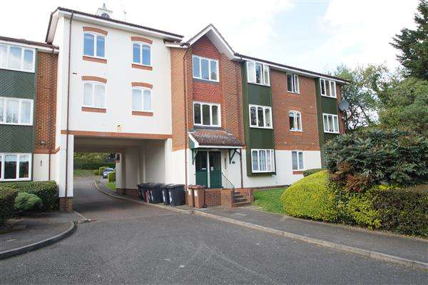 1 Bedroom Apartment Flat for sale in Missenden Gardens, Burnham