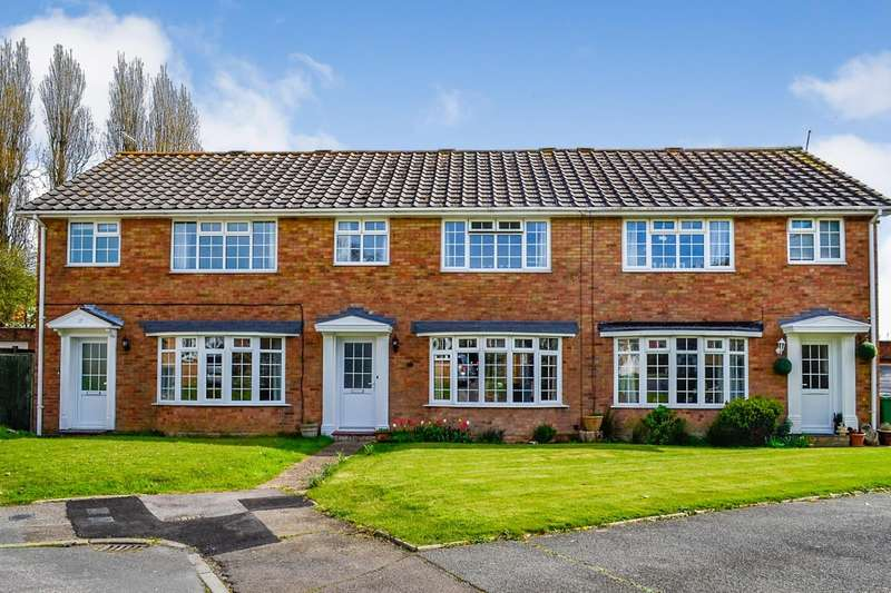 3 Bedrooms House for sale in Chartres Close, Bexhill On Sea, TN40