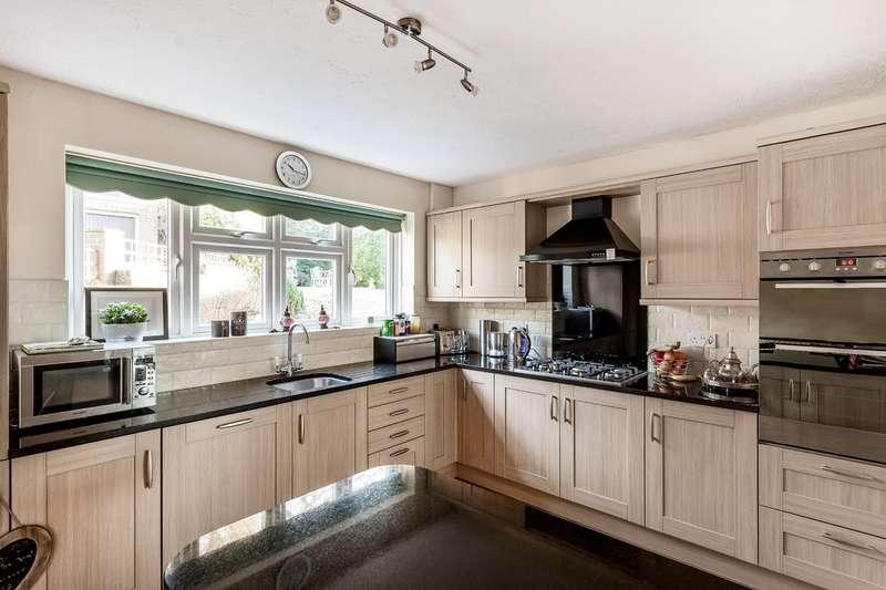 4 Bedrooms Detached House for sale in Westview Road, Warlingham, Surrey