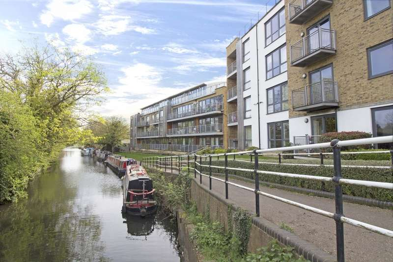 2 Bedrooms Flat for sale in Elder Court, Mead Lane