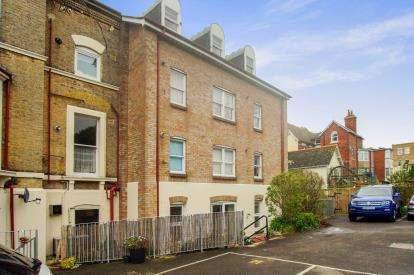 3 Bedrooms Flat for sale in 5-7 Westerhall Road, Weymouth, Dorset